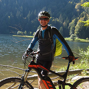 Guide Oliver vom HIRSCH-SPRUNG MTB Fahrtechnik Team