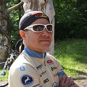 Guide Santo vom HIRSCH-SPRUNG MTB Fahrtechnik Team