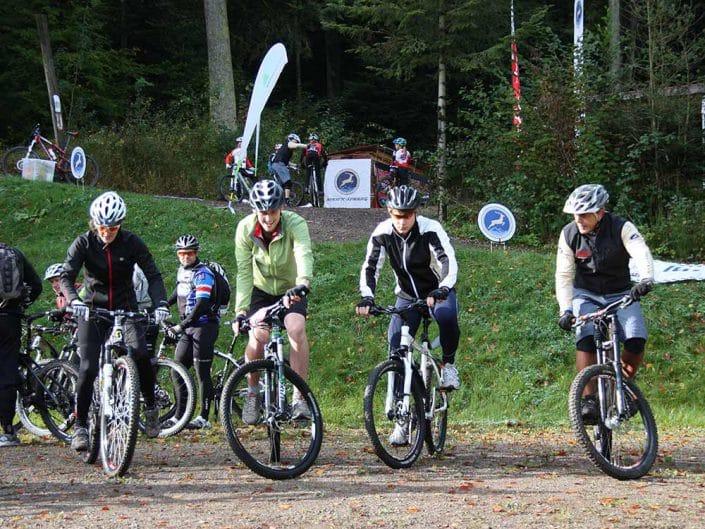 MTB Fahrtechnik Training Balance auf dem Bike halten