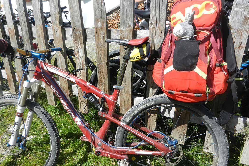 In den Alpen biken MTB Alpencross Tour Schmuggler