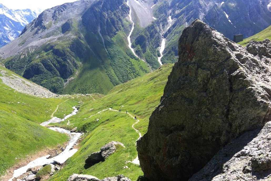 Landschaft Mountainbiketour Alpen Flucht in den Süden