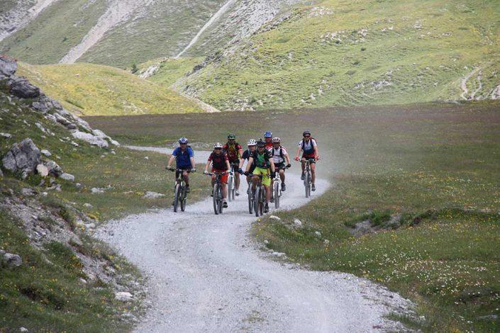 Biker Mountainbike Alpencross Tour Schmuggler Expert