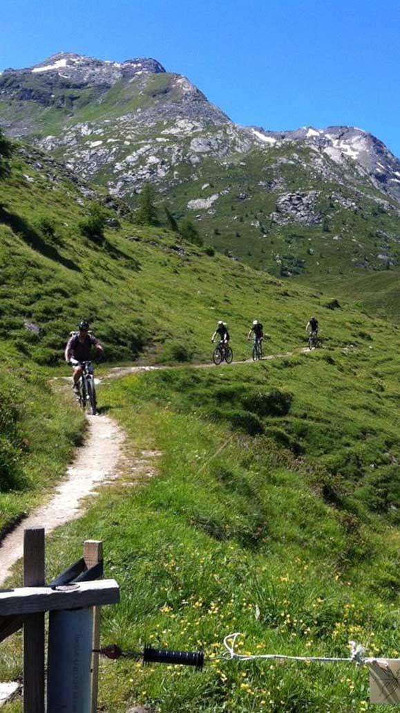 Trail Mountainbiketour Alpen Flucht in den Süden