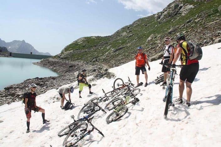 Schnee MTB Reise Alpen Livigno
