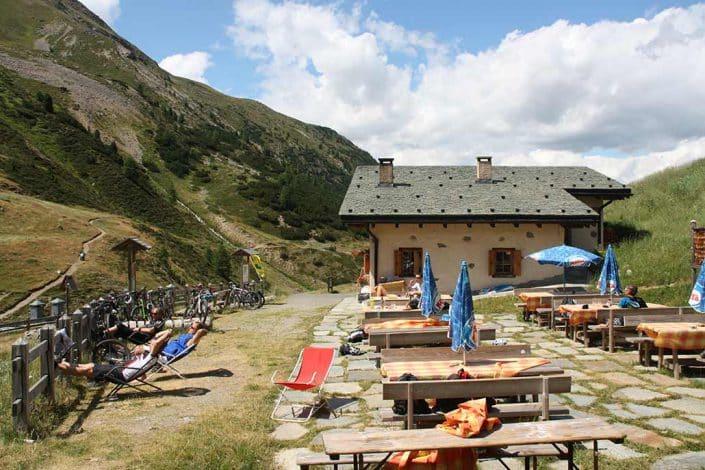 Mittagspause MTB Reise Alpen Livigno