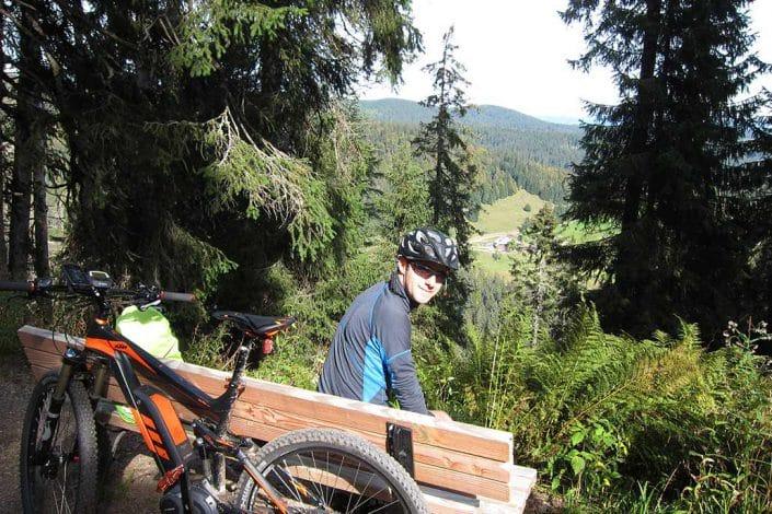 Die schöne Aussicht muss man auch beim E-Bike Fahrtechnik Kurs genießen.