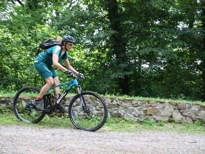 Mountainbiker beim Training