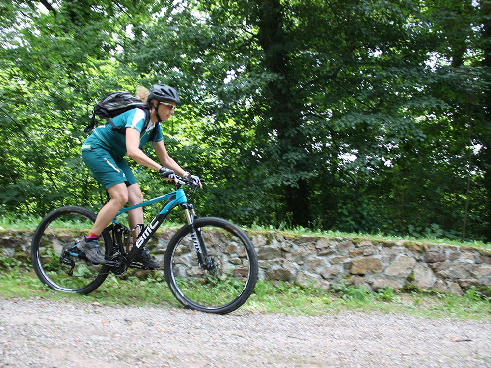Mountainbiker beim Training