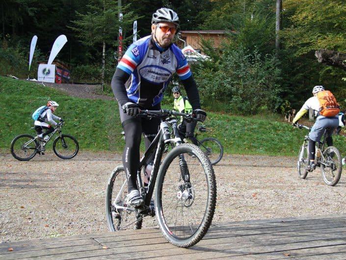 Mountainbiker beim afterwork MTB Training