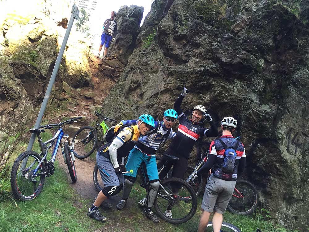 MTB Tour im Schwarzwald auf dem Schauinsland - Spaß unterwegs beim Gondel2Trail mit Hirsch-Sprung