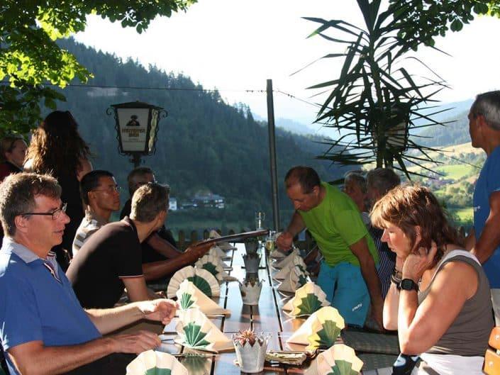 Traumhafte Aussicht bei der Mittagspause der Gruppen und Firmen Events mit HIRSCH-SPRUNG