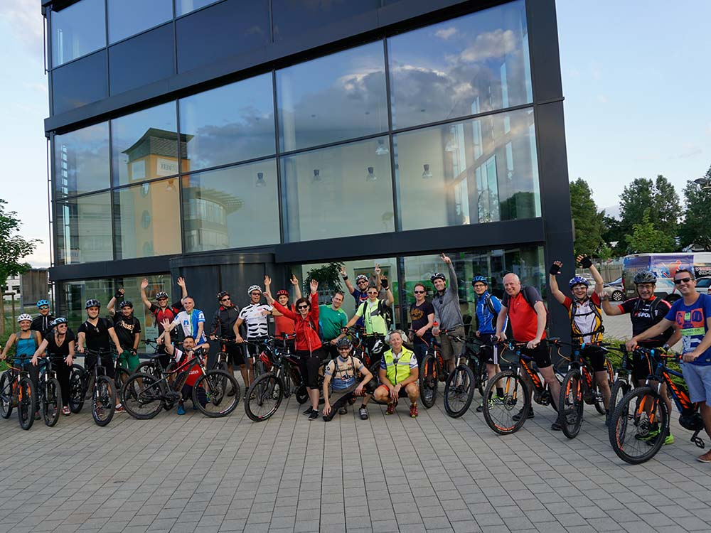 Gruppenbild der Bikegruppe - individuelle Gruppen und Firmen Events