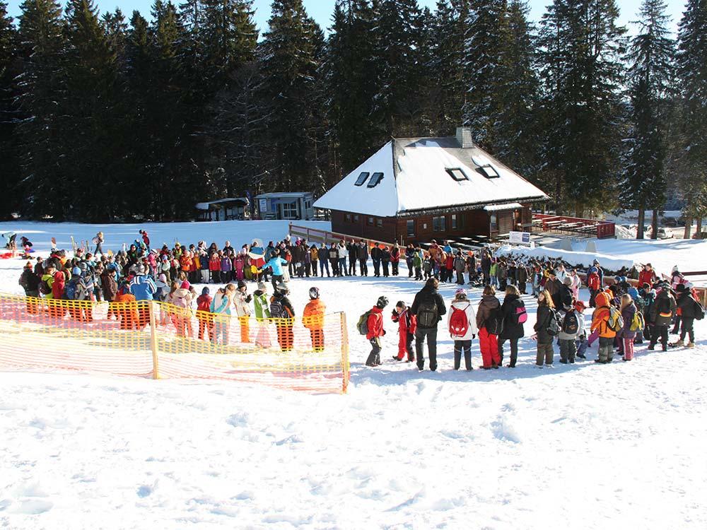 Gruppen und Firmen Events im Winter Wanderung mit HIRSCH-SPRUNG