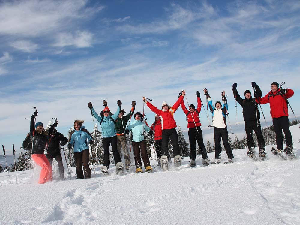 Für Gruppen und Firmen Schneeschuhwanderung im Winter mit HIRSCH-SPRUNG