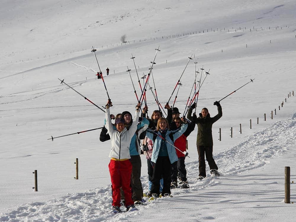 Schneeschuhwanderung im Winter für Gruppen und Firmen mit HIRSCH-SPRUNG