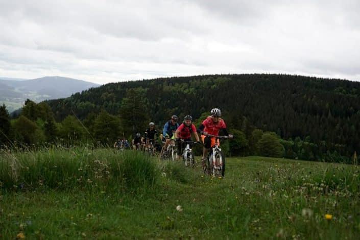 Biker HIRSCH-SPRUNG MTB Fahrtechnik Training Kirchzarten