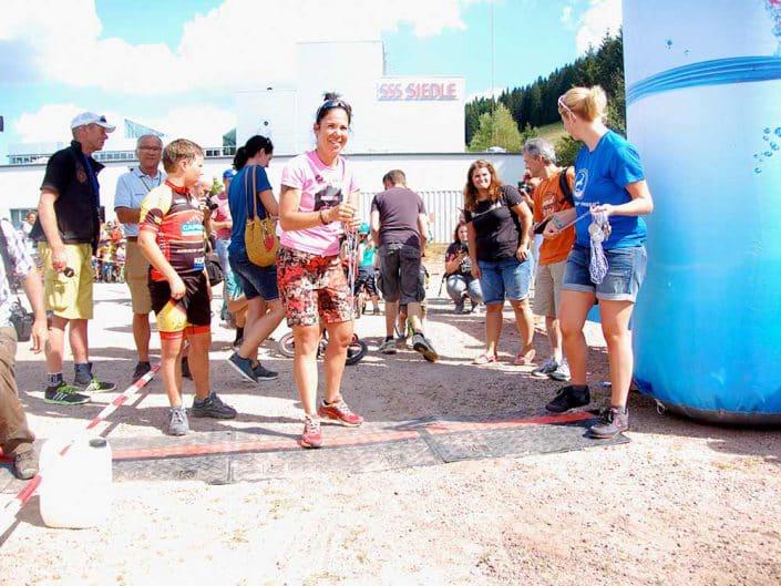 Laufrad Trophy in Furtwangen Eltern unterstützen natürlich