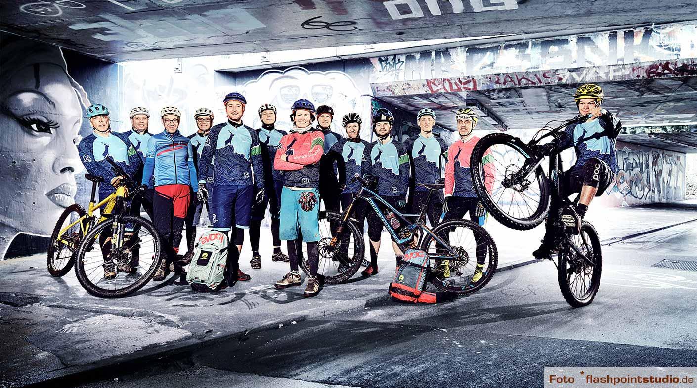 Mountainbike-Team von Hirsch-Sprung - MTB Fahrtechnik & MTB Reisen im Schwarzwald und in den Alpen