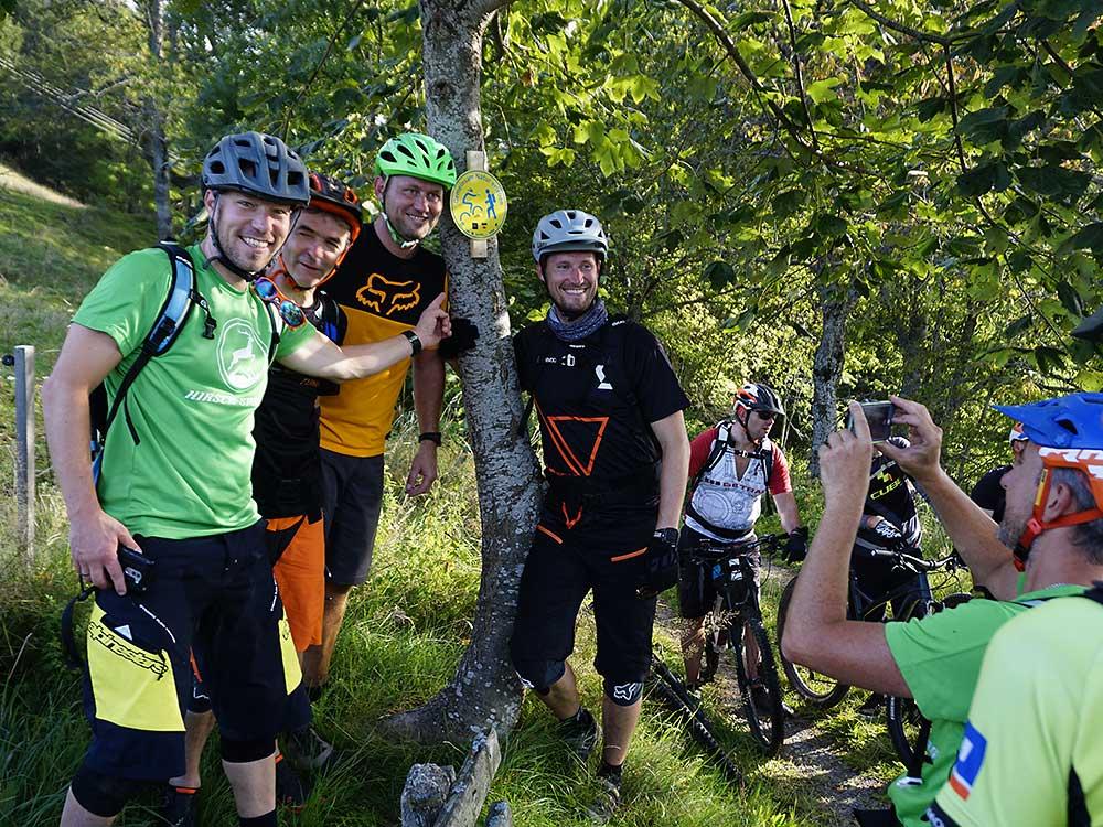 schwarzwaldverein und hirsch-sprung Schild gemeinsam Natur erleben